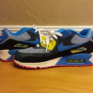 Nike Air Max Sneakers Size 6.5 youth